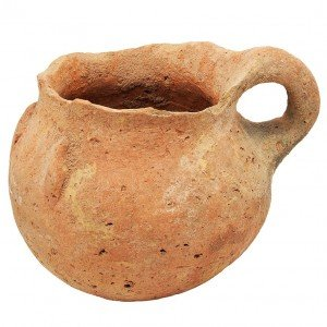 Early Bronze Age Canaanite Jug (3330-2300 B.C.) Discovered in Israel