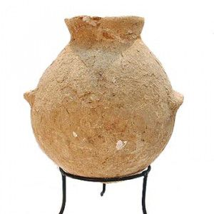 Early Bronze Age Vase made of Clay (3300 – 2300 B.C.) Found in Jerusalem
