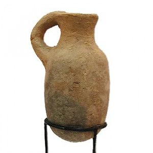 Ancient Pottery Discovered in Jerusalem  Late Bronze Age Oil Jug